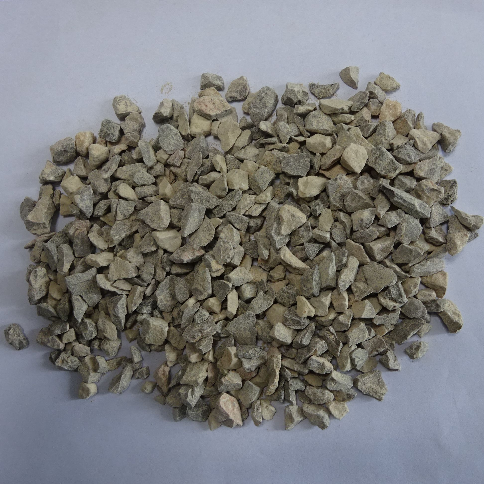 Stone Pebbles Factory Wholesale Cheap Price Natural Mix Color Pebbles Stone Or Gravel Color Crushed Stone Pebbles