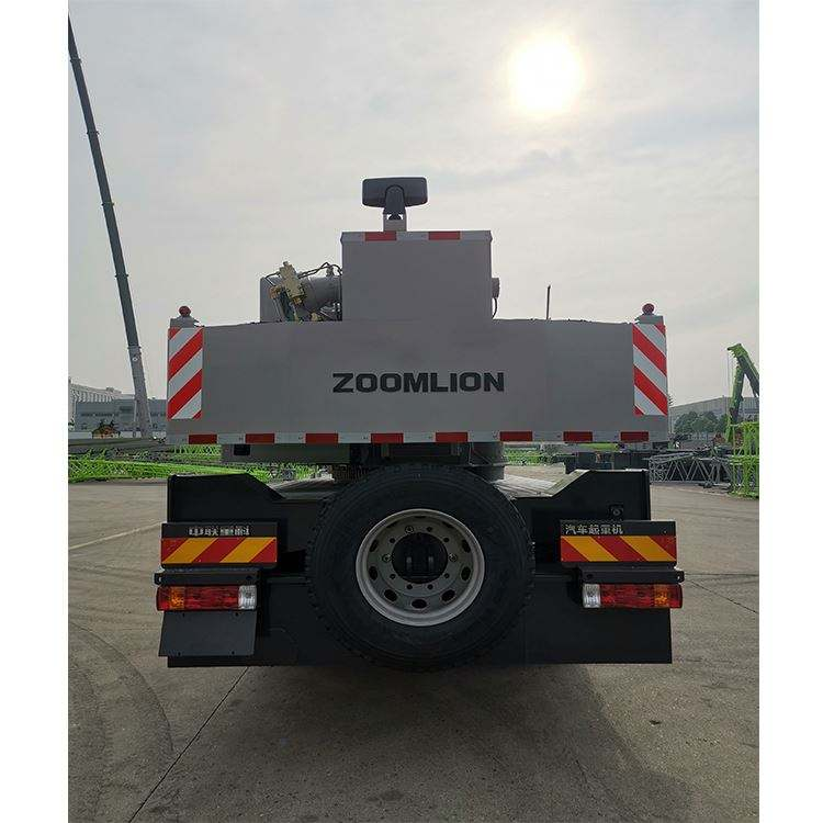 Zoomlion ZTC250R452 Hoisting Machinery Truck Crane Sizes Qy50K-Ii With The Advanced Matching Technique