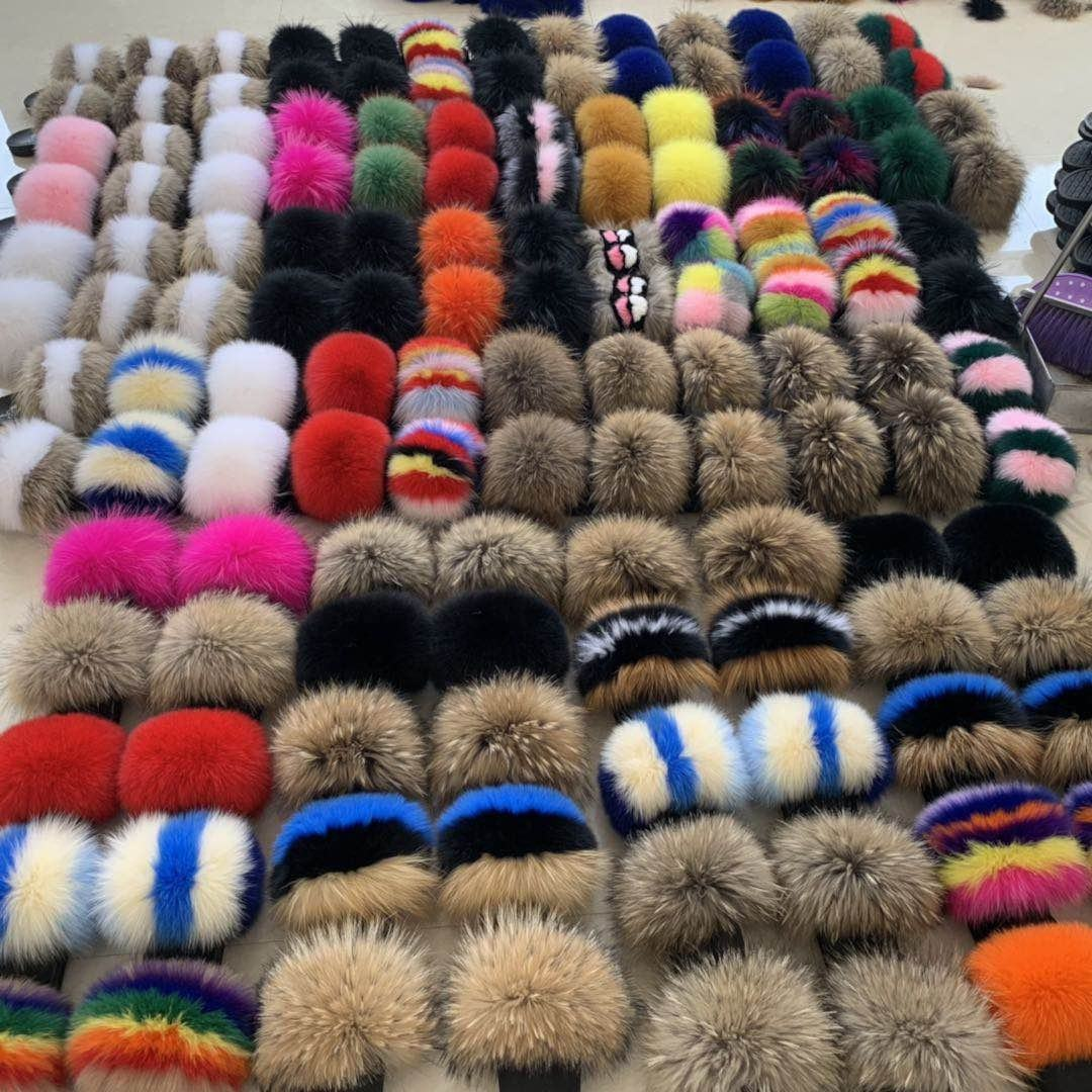 Wholesale Home outdoor and indoor stock soft fluffy custom logo and color real fox fur slipperswomen