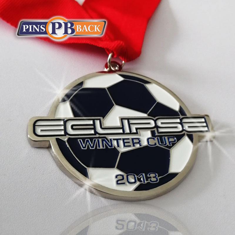 <span class=keywords><strong>Offre</strong></span> Spéciale en gros faites sur commande de récompense en métal argenté 2.5 pouces blanc d'or de sport football <span class=keywords><strong>médaille</strong></span>