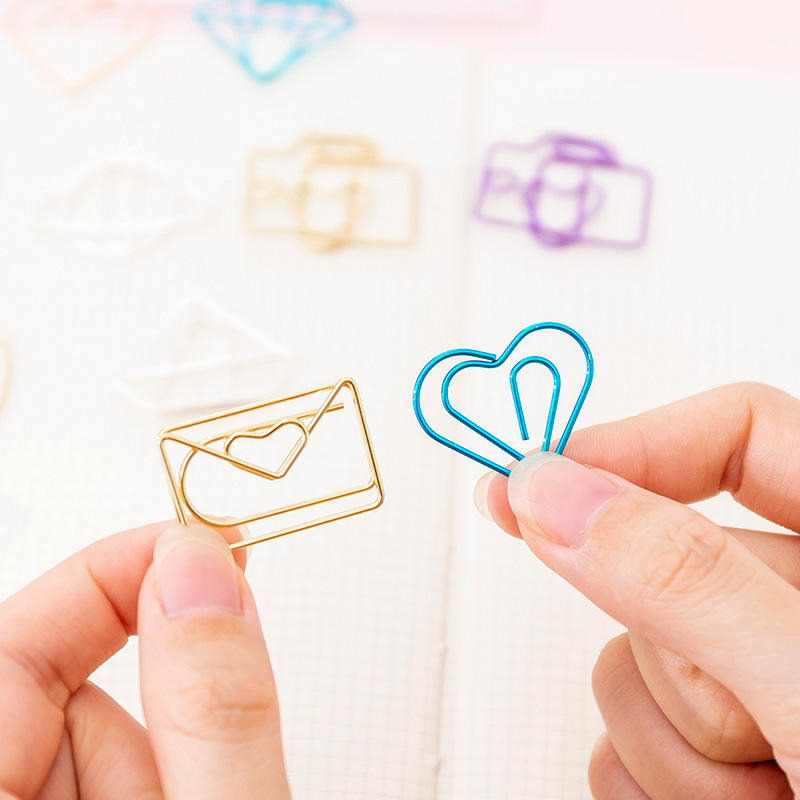 10 stks/pak Leuke Mini Paperclips Kawaii Briefpapier Metal Clear Bindmiddel Clips voor papierwerk Foto 'S Tickets Notities Brief