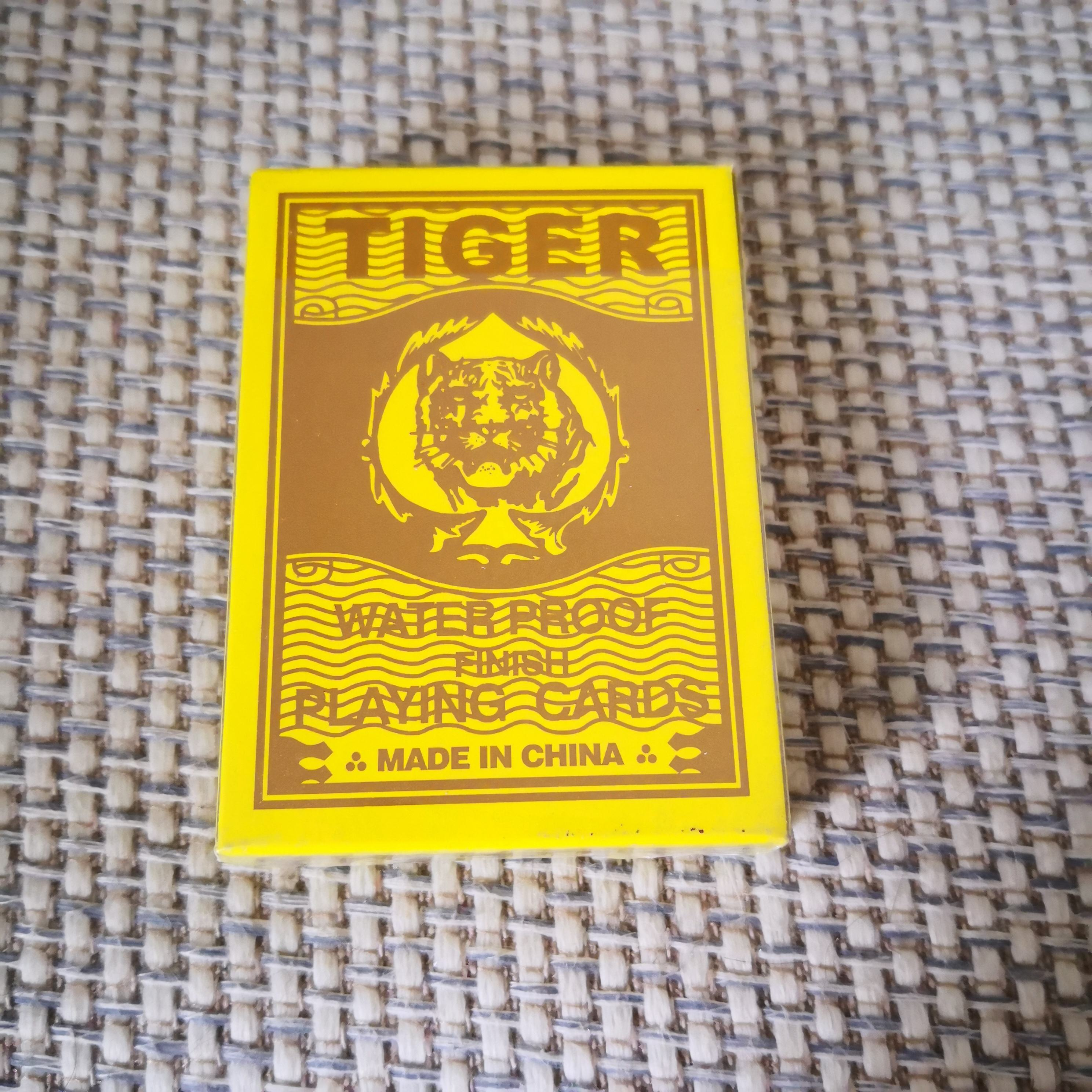 28 TIGER PLAYING CARDS