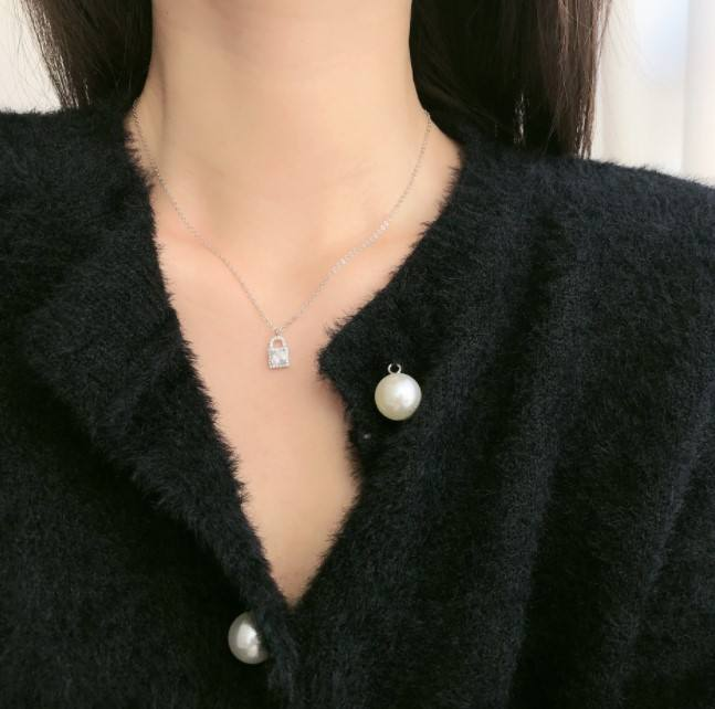 lock necklace S925 silver contracted collarbone chain Japanese and Korean version of the student department necklace