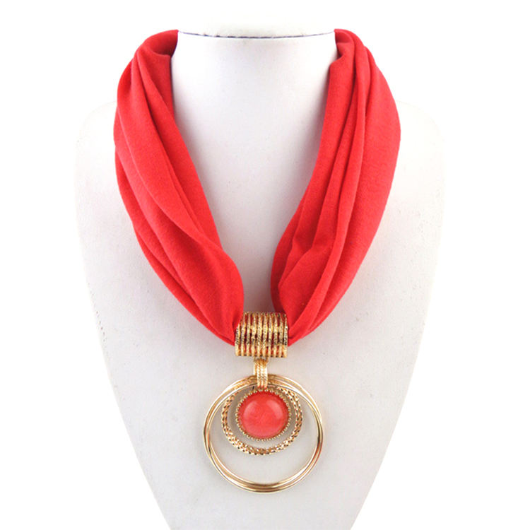 High quality loop alloy pendant ladies polyester solid color charm pendant jewelry metallic scarf