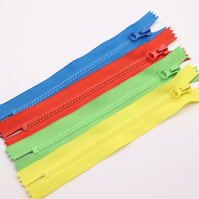 top quality zipper plastic 3# custom close end resin zipper for women's clothes zip for children