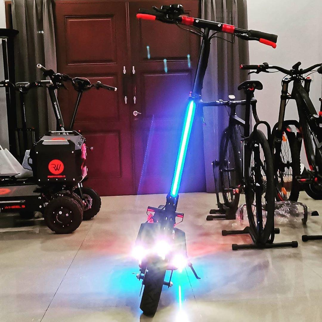 Unicool 36v 48v 52v 500w 600w 1000w city powerful short charging time CE suspension kick foot scooter