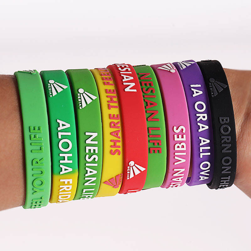Custom Silicone Bracelet Embossed Debossed Silicone Wristbands