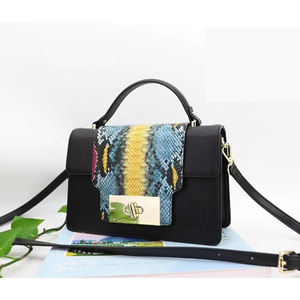 Chinese factories make stylish snakeskin women's bags with one-shoulder slant