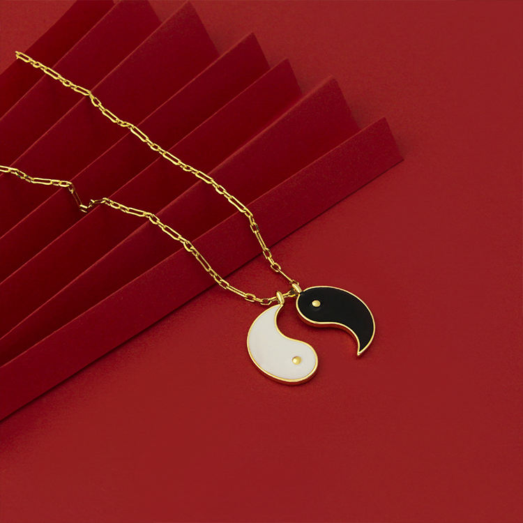 Wedding Yin and Yang necklace Couple gossip fashion gold pendant Gold Tai Chi pendant Gossip girl pendant