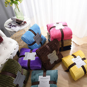 Wholesale Super soft knitted cover polyester flannel throw blanket for sofa chair bed decoration