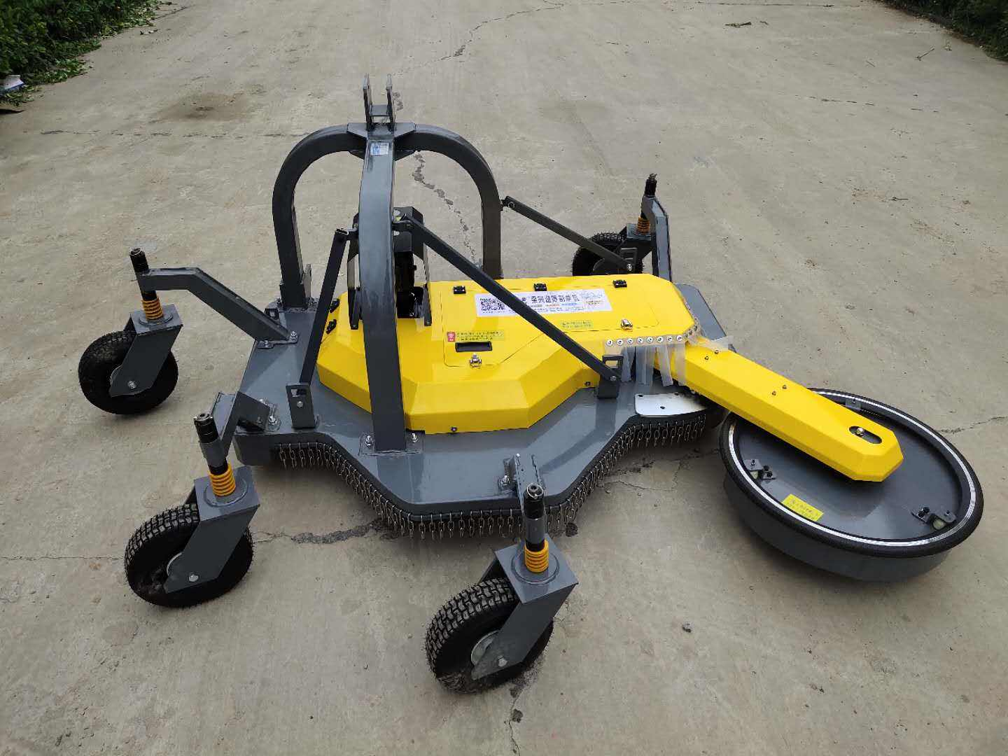Path Breaker swing arm mower S5 - vineyard and orchard mowers with swing arms for 4-5 meter trees distance