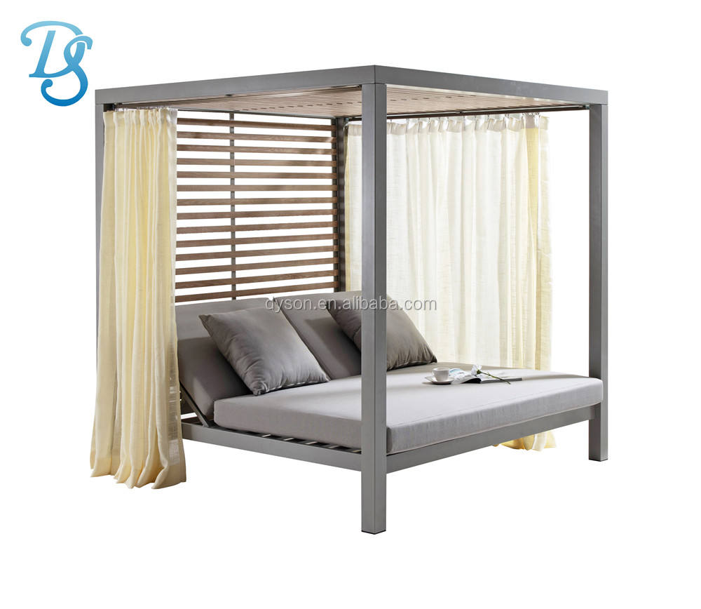Most popular outdoor furniture rattan daybed with canopy sun bed lounge rattan bed wicker cabana no curtain