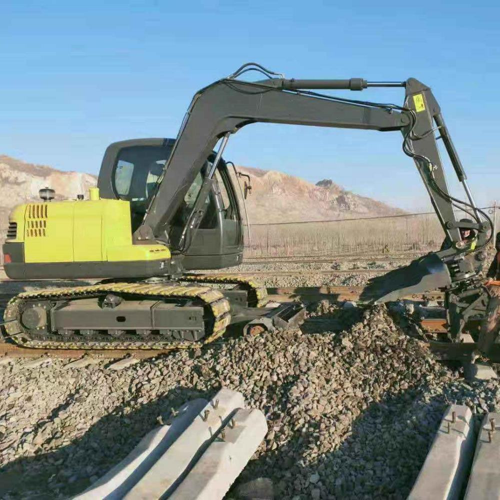 Rated power 56.5/2200kw/rpm maintenance machinery Railway excavator with sleeper changer