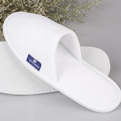Comfortable disposable home slippers hotel or spa slippers