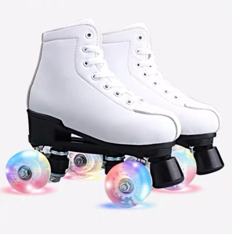 Bestselling High-quality Skater Shoes Two-row Flashing Roller Skates Patines Wholesale 4 Wheel for women