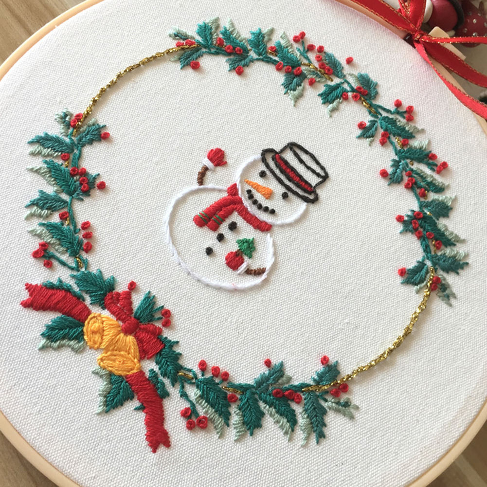 Christmas Cross Stitch Set Handmade Embroidery Starter Kit Special Thing to Complete DIY Embroidery with Friends