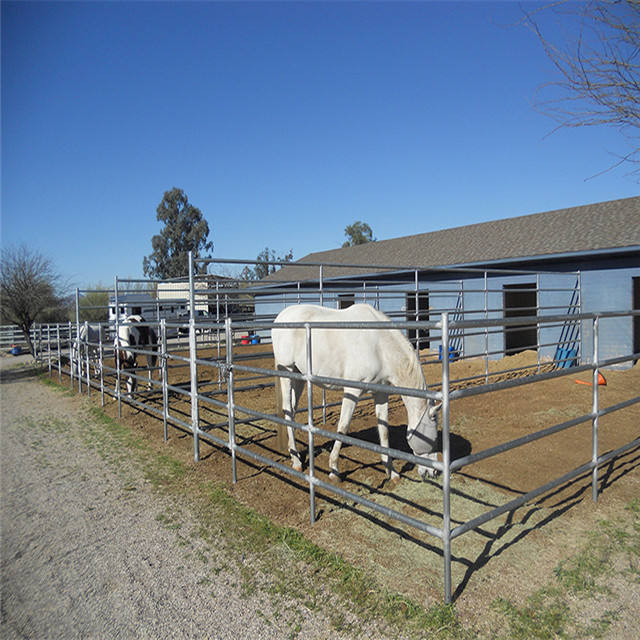 Light weight portable panels for small livestock and pets