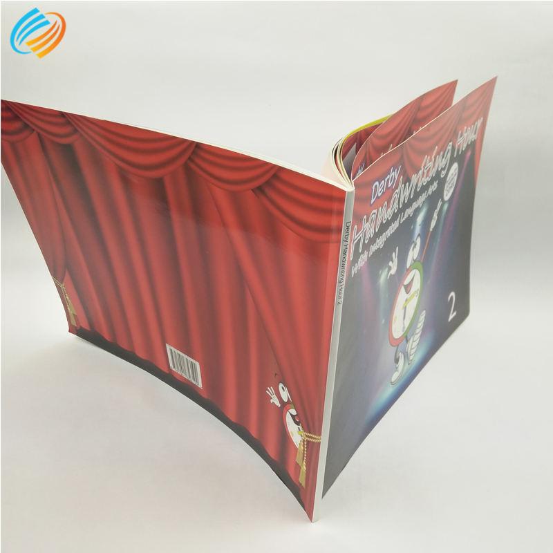 Китайский милый детский английский образовательный учебник Школьный печатный издатель мягкий переплет поставщик Малайзия