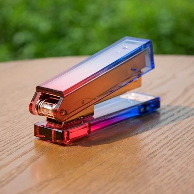 Rainbow Stapler Clear Acrylic Body Colorful Desktop Stapler with Classic Modern Design for Office and Desk Accessories Gift
