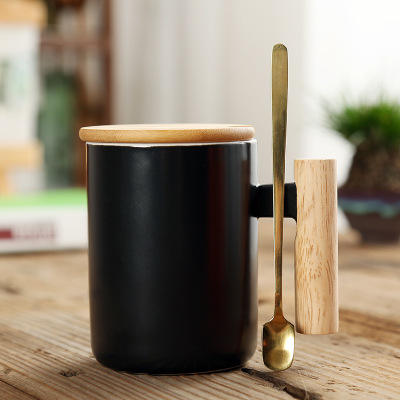Wholesale Custom Printed Coffee Tea Cup Set, Bamboo lid ceramic cup with lid and spoon, wooden handle ceramic coffee mug