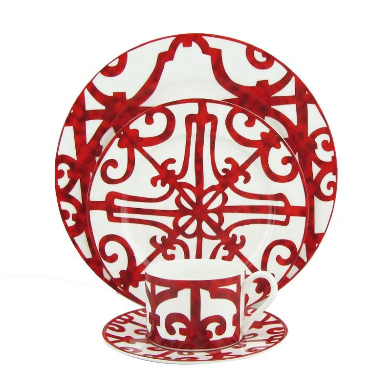 Hot Sale Vintage Plates Red Revival Small Luxury European Western Tableware Set Bone China Colored Dinner Set