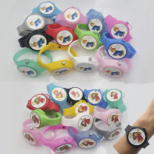 Child silicone durable hand sanitizer subpacking wristband bracelet dispenser watch