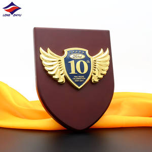 Hot Selling Award Engraved Wooden Plaques Customised UAE Wooden Souvenir Shields