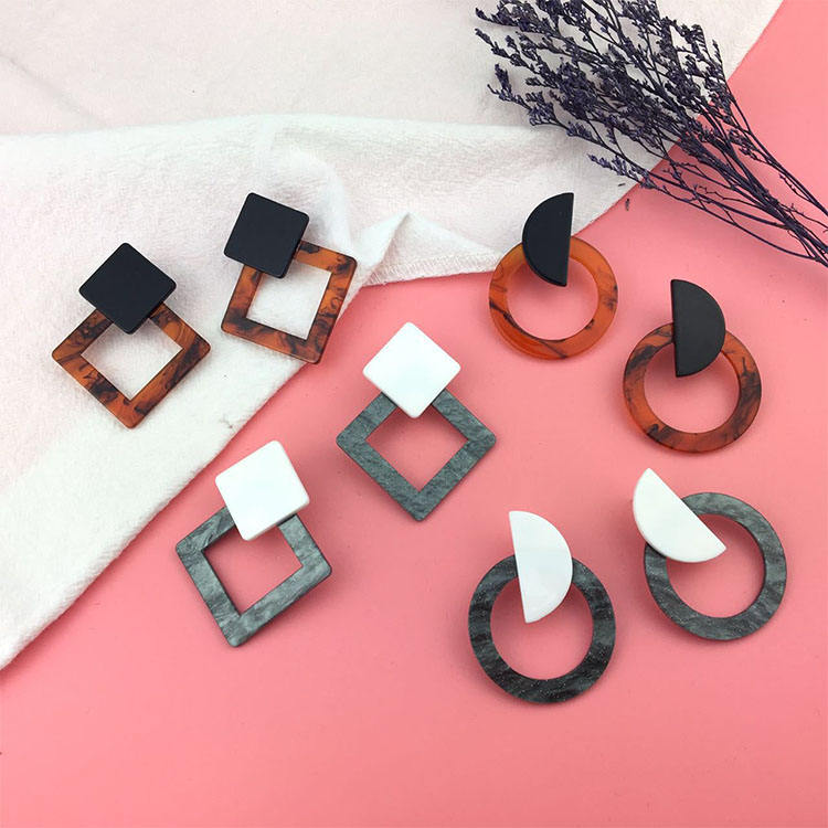 New Fashion Acetate acrylic stud Earrings gold Irregular Geometric shapes Simple design round Wood Resin Woman handmade Earrings