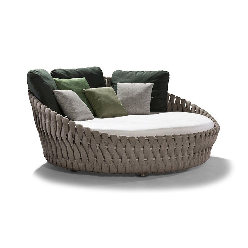 Ratan Garden Furniture Oversized Daybed Outdoor Sunbed Round Outdoor Furniture