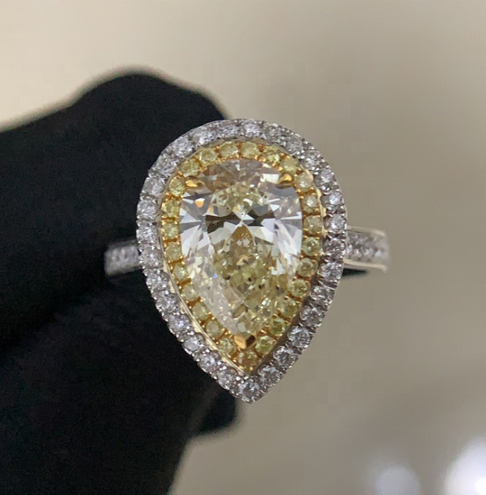 High Quality Jewelry 18K Gold Gram Price Pear Shape Diamond Ring Can customize Vivid Yellow Moissanite Rings