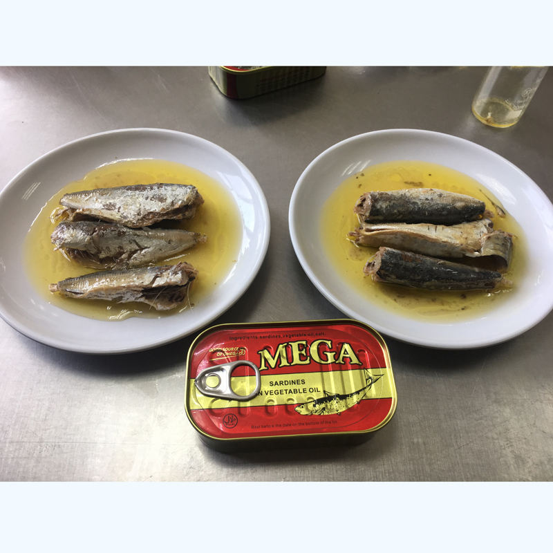 China Factory Canned Sardine Tomato Sauce Fish or Oil