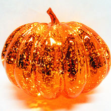 PET PUMPKIN WITH 20L WARM LIGHT ORNAMENT FOR PARTY DECORATION.