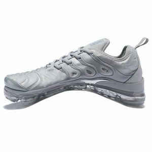 Vente en gros Air Vapormax Plus TM Sport extérieur baskets athlétique chaussures de créateur hommes femmes course Pack chaussures pour hommes A 449