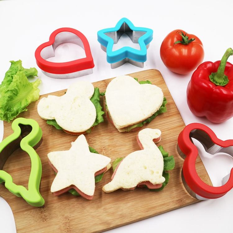 Stainless Steel Sandwiches Cutter, Mickey Mouse & Dinosaur & Heart & Star Shapes Cookie cutter Biscuit Cutter -Food Grade Biscui