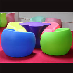 Customized rotomolded outdoor furniture mouCustomized rotomolding Plastic Europe Chair and table rotational moulding PE products
