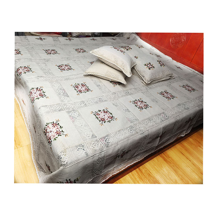 Luxury Wholesale Customized Size Bedding Set Bed Sheets Embroidered bed cover in Bedding set