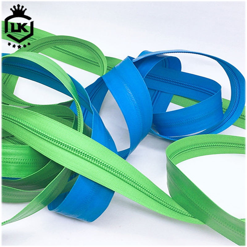 Long chain green color waterproof nylon zipper for bags or garments