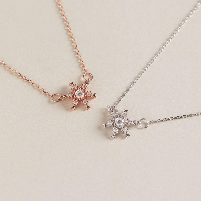 Hot selling Shiny Sparkling Crystal Rhinestone Snow Flower Pendant 925 Sterling silver Snowflake Necklace For Girls