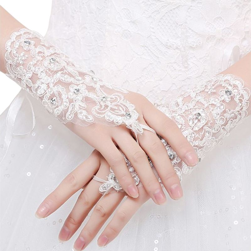 White Ivory Red Short Wedding Gloves Wrist Length Fingerless Lace Appliques Sequins Bridal Gloves