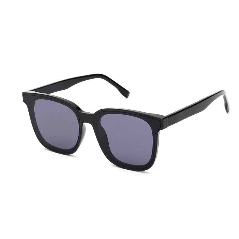 In Stock Wholesale Classical Square Plastic Unisex Outdoor Glasses Full Frame Women Sunglasses