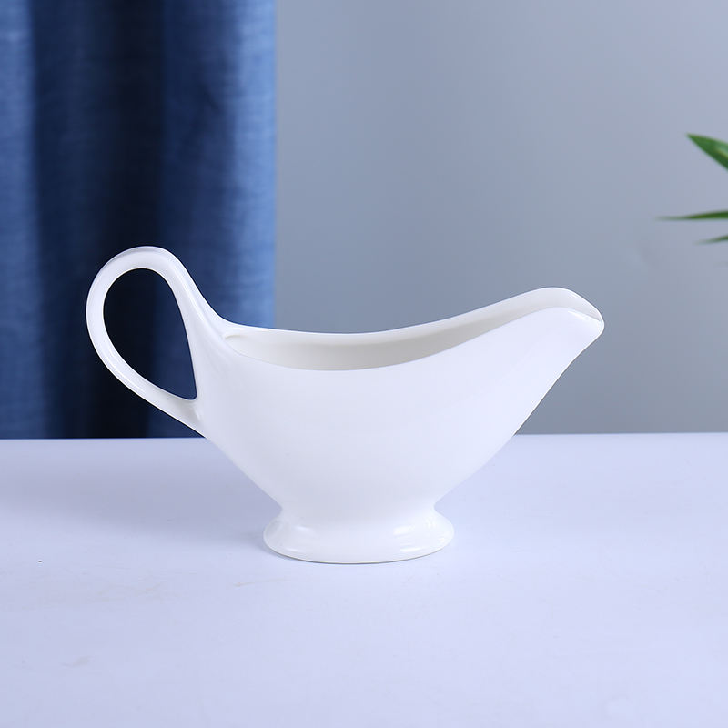 wholesale factory white porcelain restaurant gravy boat ceramic