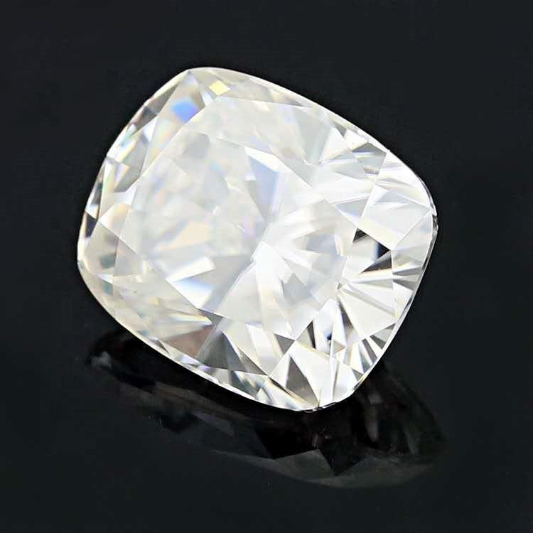 Professional high quality DEF white color synthetic 3*4mm-10*8mm cushion shape moissanite for decoration