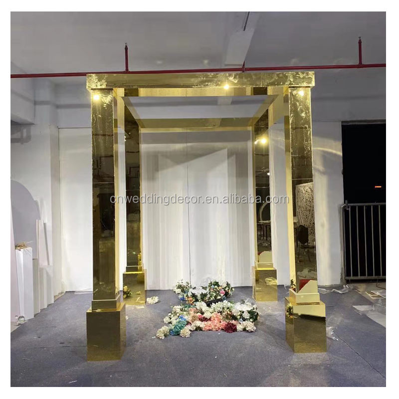 Exclusive wedding pillar acrylic mirrored gold mandap for wedding reception decoration