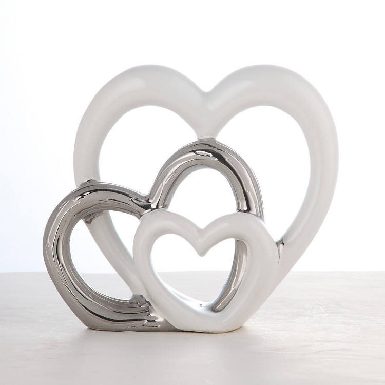 Hot sale european popular heart shaped valentine's day modern ceramic home decoration