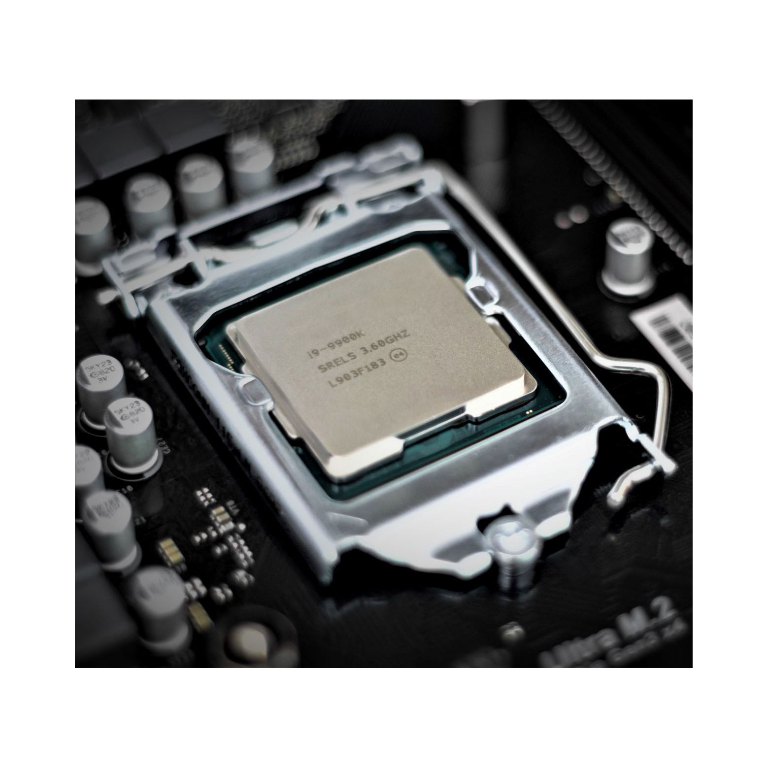 E5-2673V4 20 Cores 40 Threads 2.3GHz 2699V3 2696V3 2680V4 Original Server CPU Processor E5 2673v4