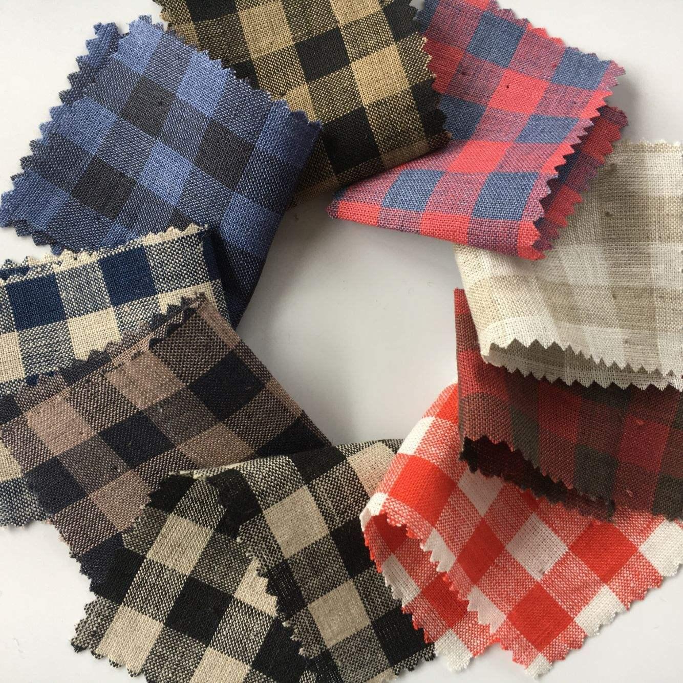 The most popular stock various color custom black white plaid linen shirting fabric
