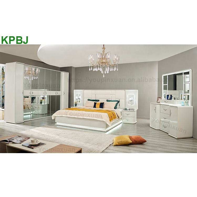 Contemporary Italian King Queen Size Elegant Bedroom Set White Luxury Bedroom Sets Furniture