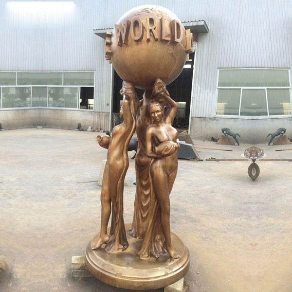 2020 New Hot Sale Street Decor Full Size Bronze The World is Yours Statue for Sale