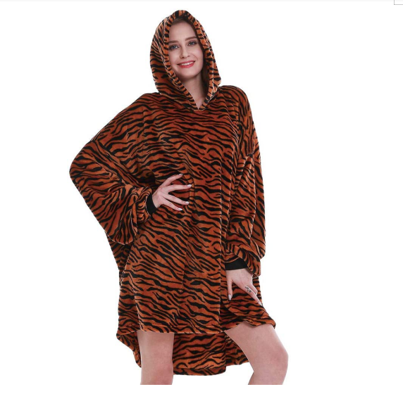 China Manufacturer Customized Wearable Oversize Sweatshirt hoodie Blanket Adult Hooded Blanket