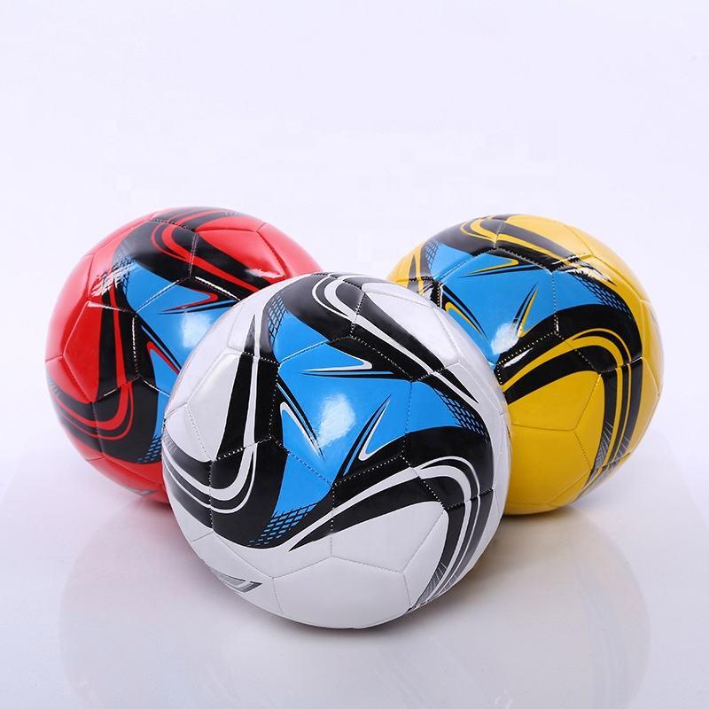 pelotas de futbol baratas en chile